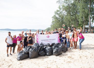 Diamond Resort Phuket, beach cleaning, save environment, We Are One Ocean, Phuket, Thailand, Bang tao beach